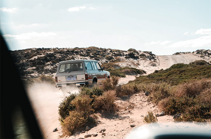 4WD driving on the best sand dunes in Australia